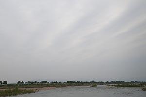 寒河江川上空に怪しい雲